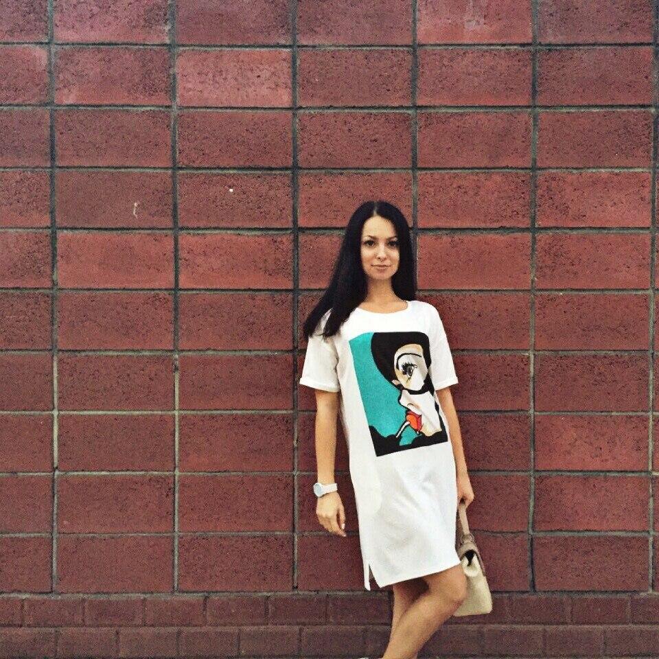 Всем привет! Меня зовут Аня и это мой первый пост :) Пост будет посвящен одному из моих любимых летних платьев