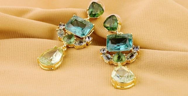 Wing yuk tak классические модные изысканные серьги в форме капли воды с кристаллами для женщин Свадебные ювелирные изделия с фабрики