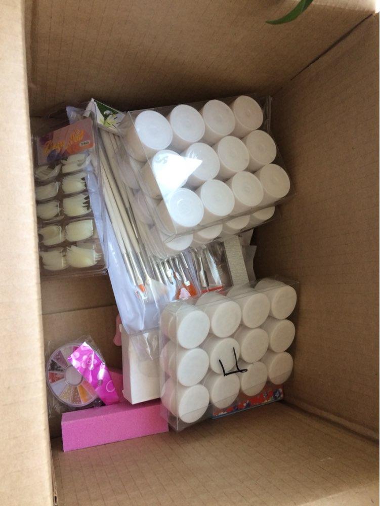 Очень довольна, только забрала с почты. За 2 недели доставили. Все очень хорошо упаковано. Положили подарок-подвеску. Буду заказывать ещё у этого продавца. Отслеживание было.