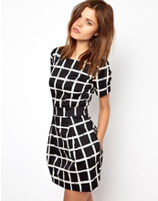 Striped round neck plaid short-sleeved dress comfortable and stylish waist was thin skirt Europe America style