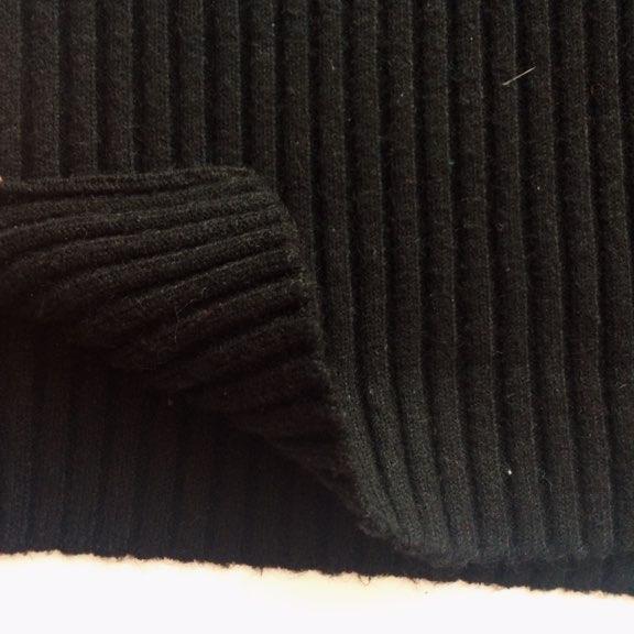 Удлинённый свитер-платье в чёрном цвете + очки