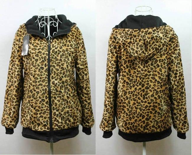cazadora north face leopard