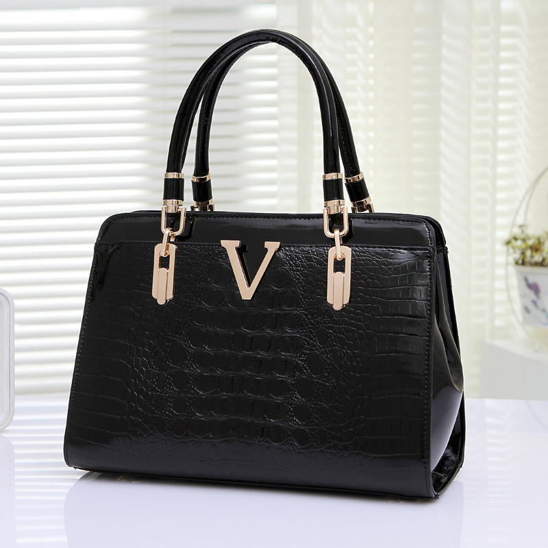 2017 European and American fashion women's casual tote bag. Large capacity women handbags Crocodile shoulder bags bolsa feminina forudesigns casual women handbags peacock feather printed shopping bag large capacity ladies handbags vintage bolsa feminina