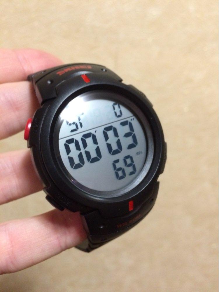 За свою цену товар отличного качества. Заказывал и получал эти часы дважды: сначала для своего ребёнка, второй раз для друзей. Оба раза заказывал у этого продавца. Продавец не подвёл ни разу - рекомендую.