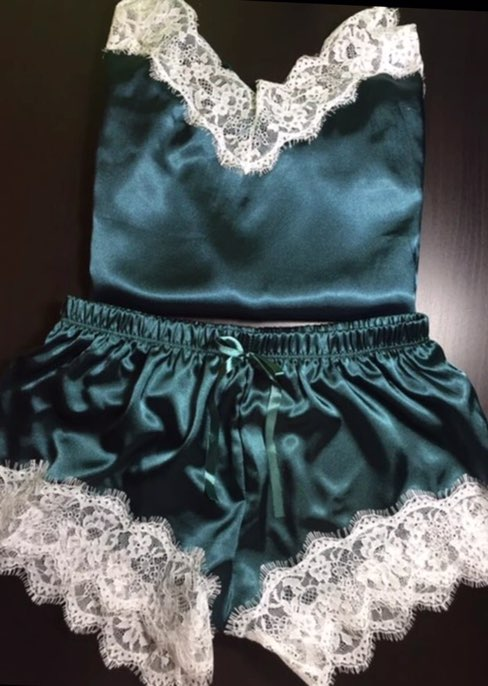 Пижама изумрудного цвета