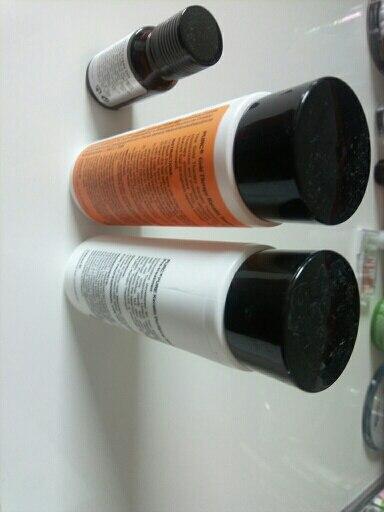 szampon 5* - śmierdzi ale efekt jest świetny, olejek 5*, keratyna 3* - włosy po kuracji są odżywione i przyjemne w dotyku, widać i czuć różnicę, sama kuracja w zastosowaniu jest zbyt męcząca, ciężko włosy jest wysuszyć jak i wyprostować prostownicą, sprzedawcs jak zawsze na 5*