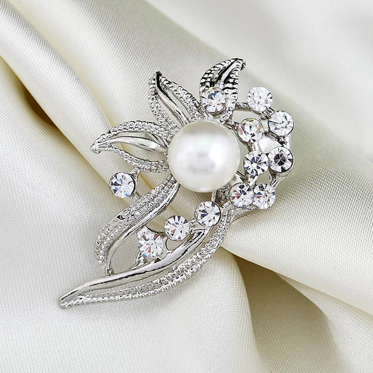 Trendy Korean Style Elegant Female Collar Pin Brooch Scarf Buckle Simulated Pearl Brooch Color White YBRH-0213