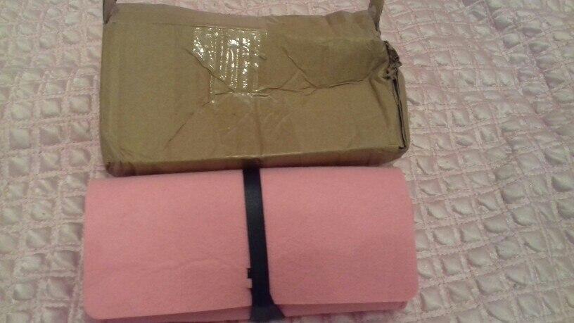клевые очки, попросила упаковать получше, упаковали в чехол-подарок. шли месяца 2,5