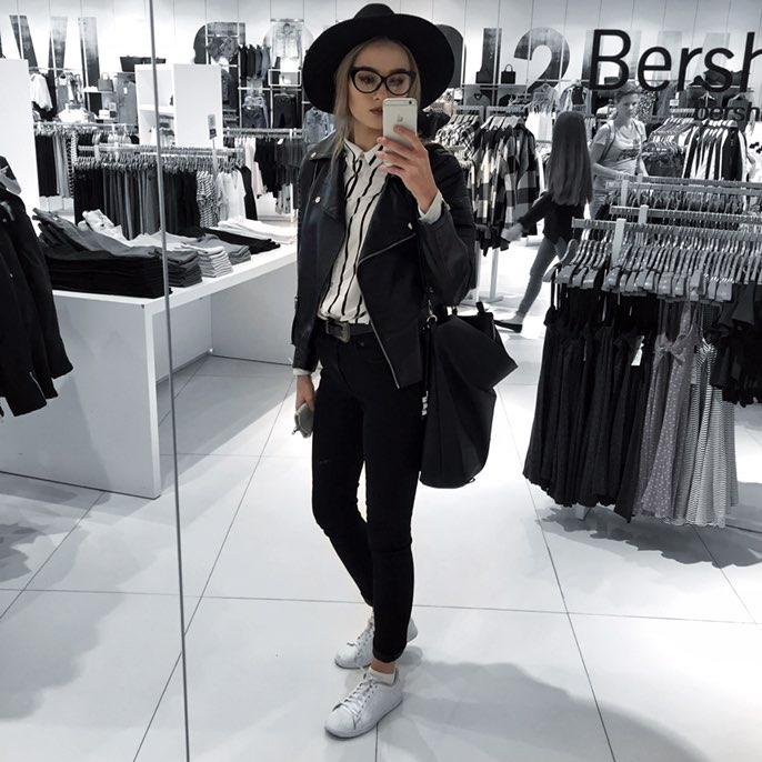 Кожаная куртка-косуха должна присутствовать в гардеробе любой девушки для дополнения  самых разных образов
