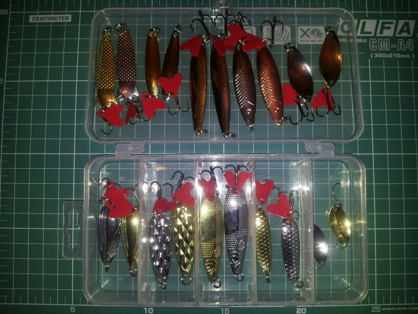 Fishing Lure Set  Spoon Metal Lures with tackle box   Great Fishing gear