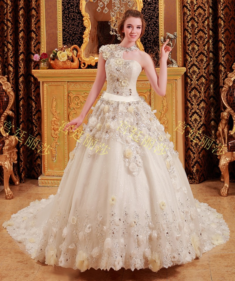 2015 New Luxurious crystal flower Wedding dress lace one shoulder ...