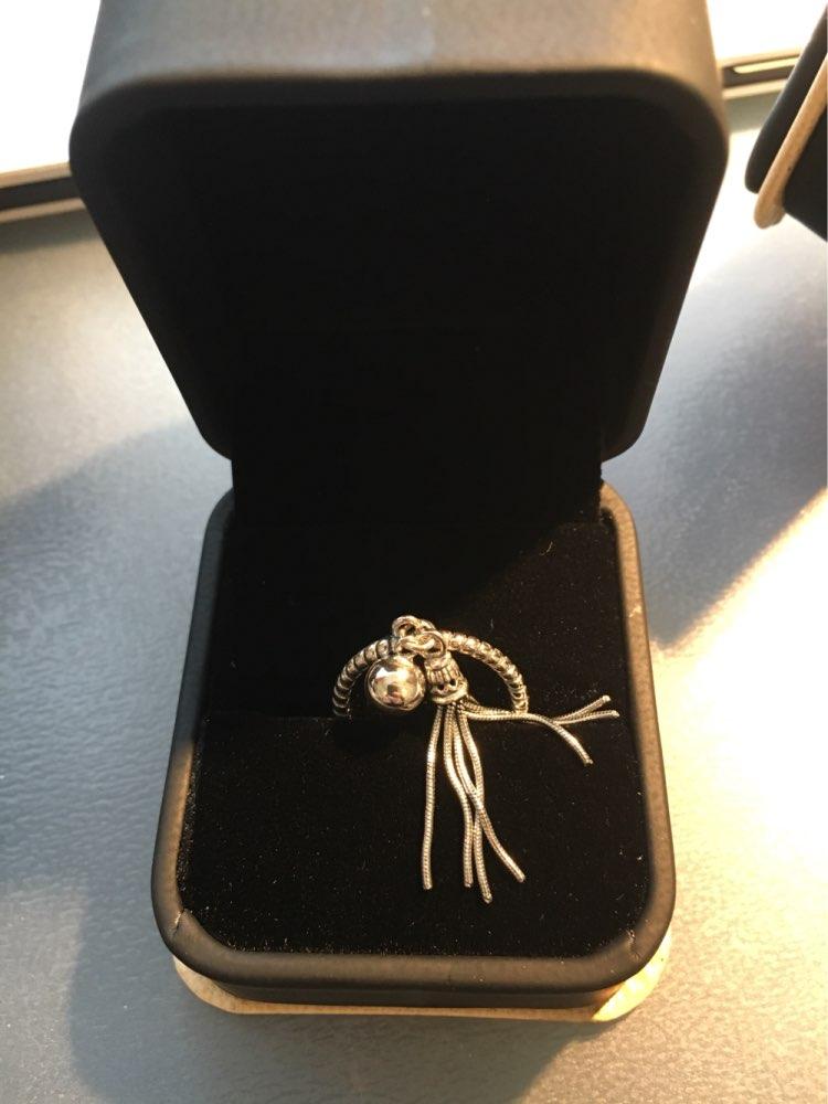 Очень, очень классные кольца! Я в восторге. Смотрятся красиво, сделаны качественно. Спасибо продавцу! Посылка шла месяц.