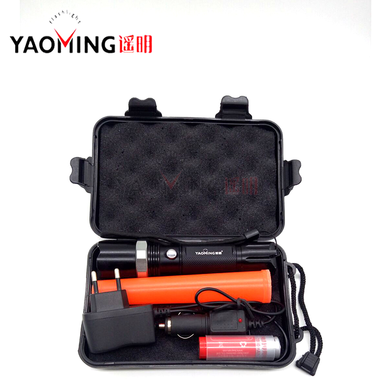 LED flashlight CREE Q5 2000LM 3 modes LED 5W zoomable directing traffic wand police torch lantern+18650 battery+charger+gift box