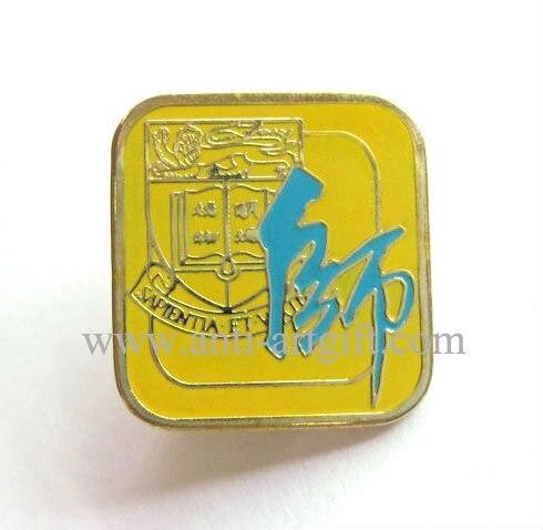 Пользовательские новые Хогвартс школьный ГЕРБ Логотип из мягкого эмалированного металла нагрудные значки Гриффиндор Слизерин Hufflepuff Ravenclaw Косплей