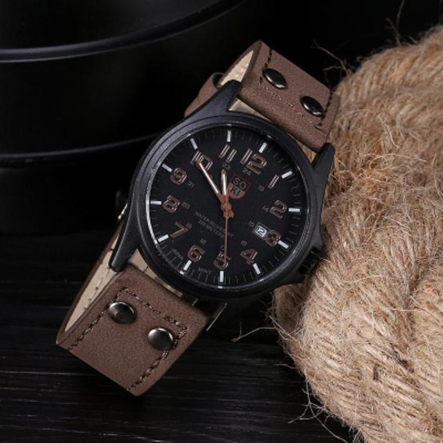 f046fbcd14d Dos Homens Clássicos do Vintage À Prova D  Água Relógio Masculino Pulseira  De Couro Data