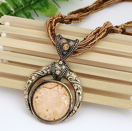 F&U Retro Bohemia Necklace Crack Round Pendant Multilayer Colorful Beads Chain Vintage Necklace Jewelry Fashion For Women 2