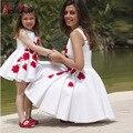 2016 Linda Flor Branca Meninas Vestidos com Laço Vermelho Mãe e Filha Vestido A Linha Meninas Pageant Vestido Crianças Vestidos de Baile