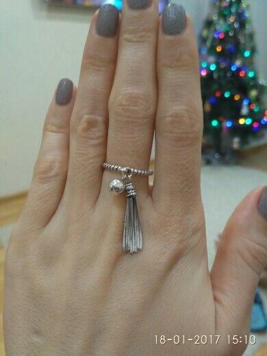 посылка шла 3недели.всё круто.а где проба? очень красивое кольцо.только носить страшно,вдруг облезит.почему-то по отзывам у кого-то есть проба у кого-то её нет.думаю не рискну больше заказывать у этого продавца.дизайн офигенный конечно,но хорошо если б это было из серебра.