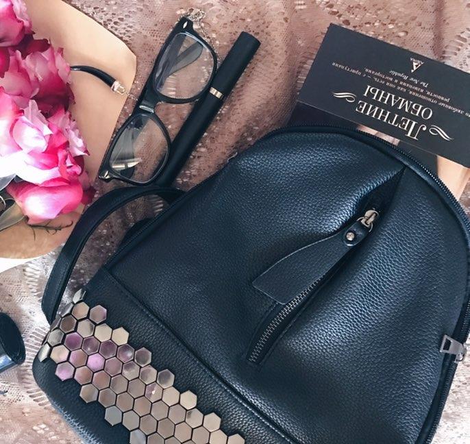 Черный рюкзак с заклепками с Алиэкспресс