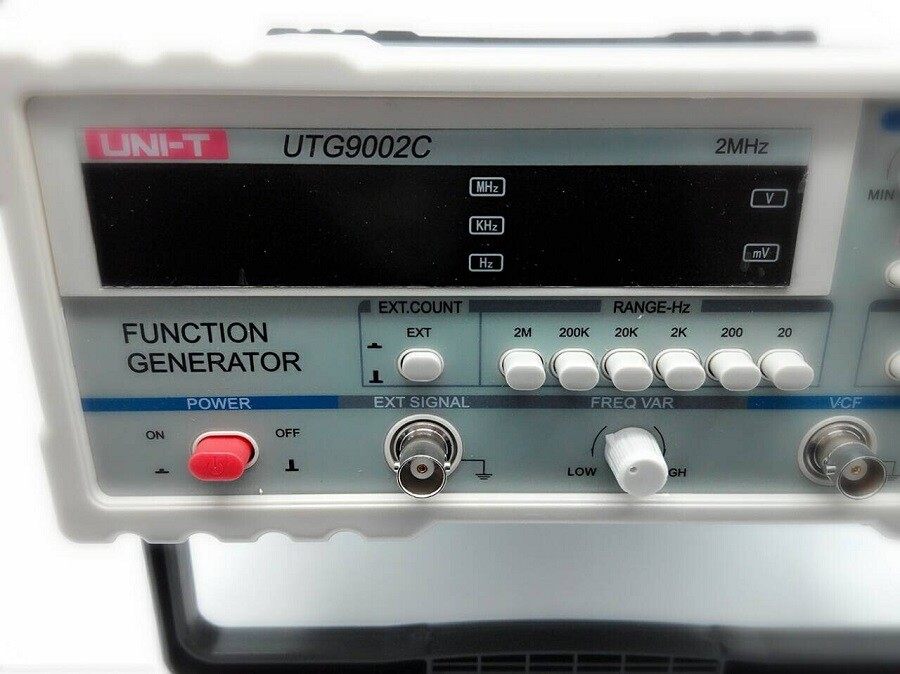Fast delivery to Russia UNI-T UTG9002C Signal Sources Signal Generators Function Generator 0.2Hz~2MHz atamjit singh pal paramjit kaur khinda and amarjit singh gill local drug delivery from concept to clinical applications