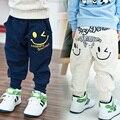 Retail 2017 Nueva Primavera Otoño Niños Niñas Pantalones Casuales Azul gris Niños Deportes Pantalones Harem Bolsillo Caliente Algodón de Los Niños pantalones