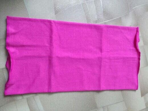 шарф хорошего качества, хлопок, цвет как на картинке, края обработаны, размер на 2 года подошел отлично и старше подойдет.