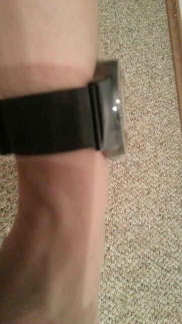 Очень быстрая доставка. Идеальная подарочная упаковка. Шикарные часы!Мягкиц браслет!  Большое спасибо. ♡♡♡♡♡