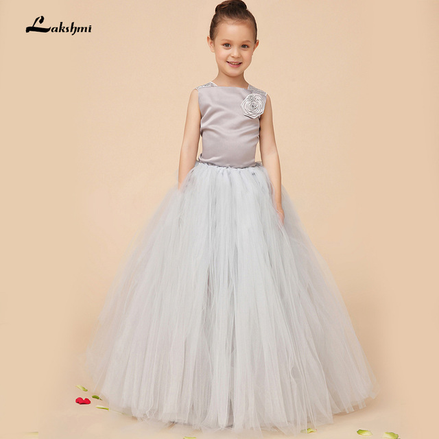 2016 New Design Flower Girl Dresses For Weddings Kid Girls Party Pageant  Dress Ball Gown Scoop 63aa61d60f23