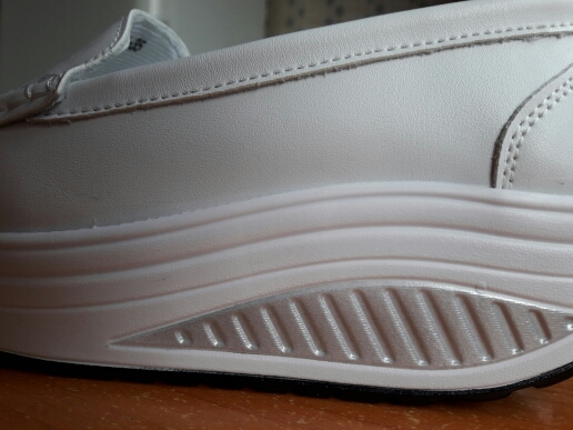 """Туфли получили, но зачем же дурить народ, указывая """" кожаные"""" Самый истинный вонючий кожзам..."""