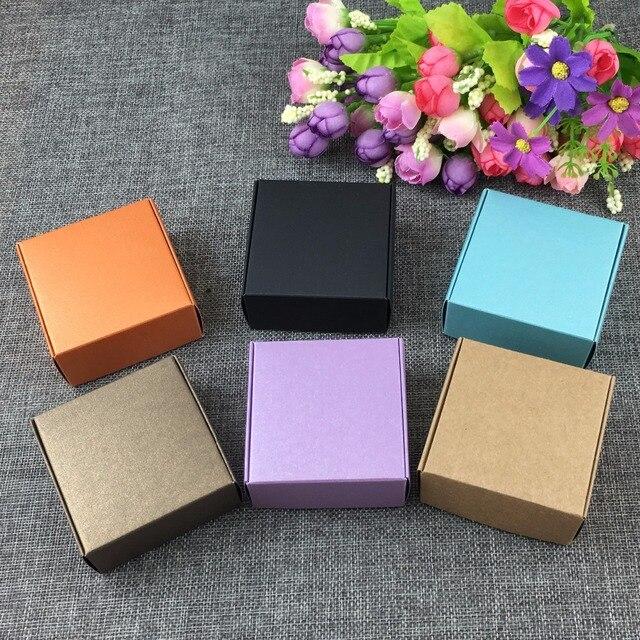 50 Teile/los 6,5*6,5*3 cm Kraftpapier Geschenk Gemischte farbe Box Schmuck Displays Leere Paket Tragetasche Kraft Kästen Akzeptieren Benutzerdefinierte Logo