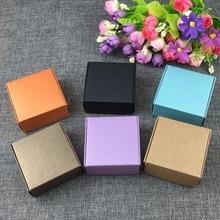 50 sztuk/partia 6.5*6.5*3cm papier pakowy prezent mieszane kolor Box biżuteria wyświetla pusty pakiet futerał do przenoszenia pudełka z papieru typu Kraft zaakceptować własne logo