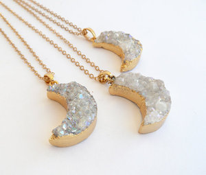 Image 4 - WT N541 חמה למכירה חצי ירח תליון לנשים eletroplated הטבעי druzy בשער עם זהב סהר שרשרת תכשיטי אופנה