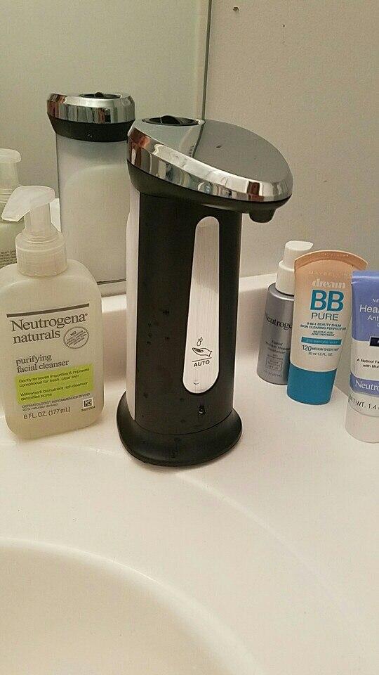 Сенсорный дозатор жидкого мыла с подсветкой с Алиэкспресс