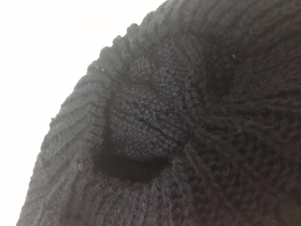 Шапочка фирмы BOAT с огромным помпоном из меха енота - моя любовь с первого взгляда))