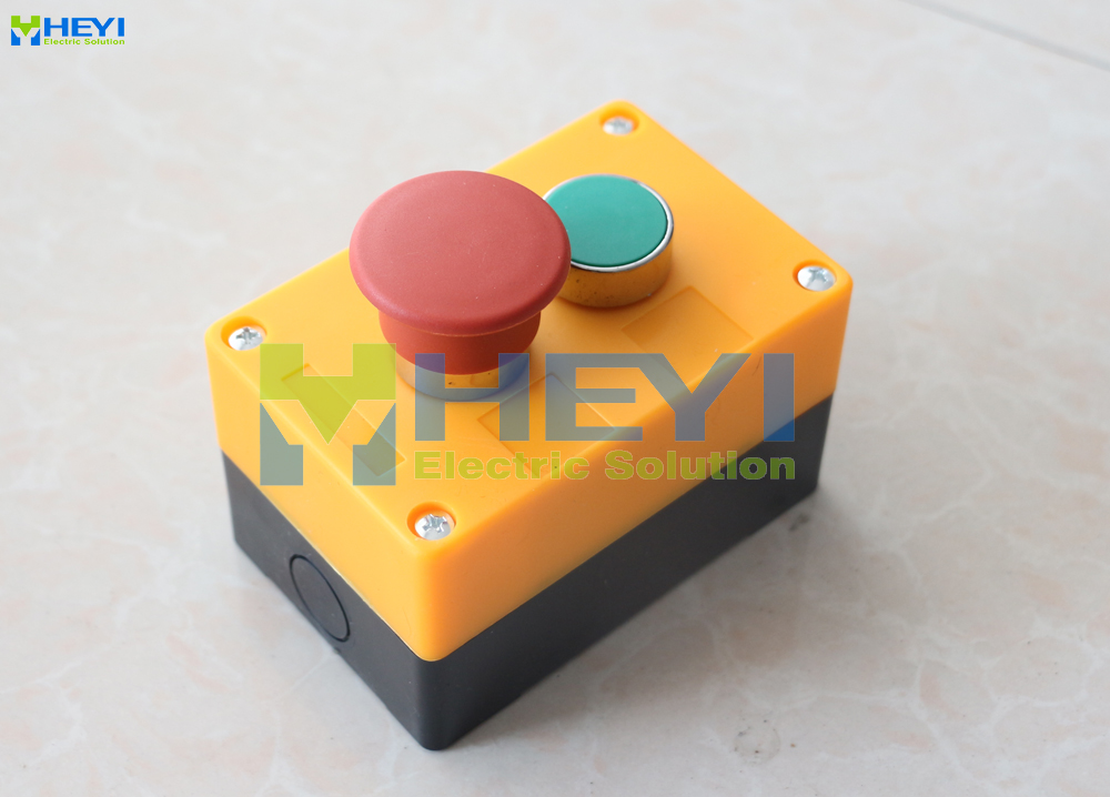 AC 240V   NO NC Red Mushroom Green Flat Momentary Push Button Switch
