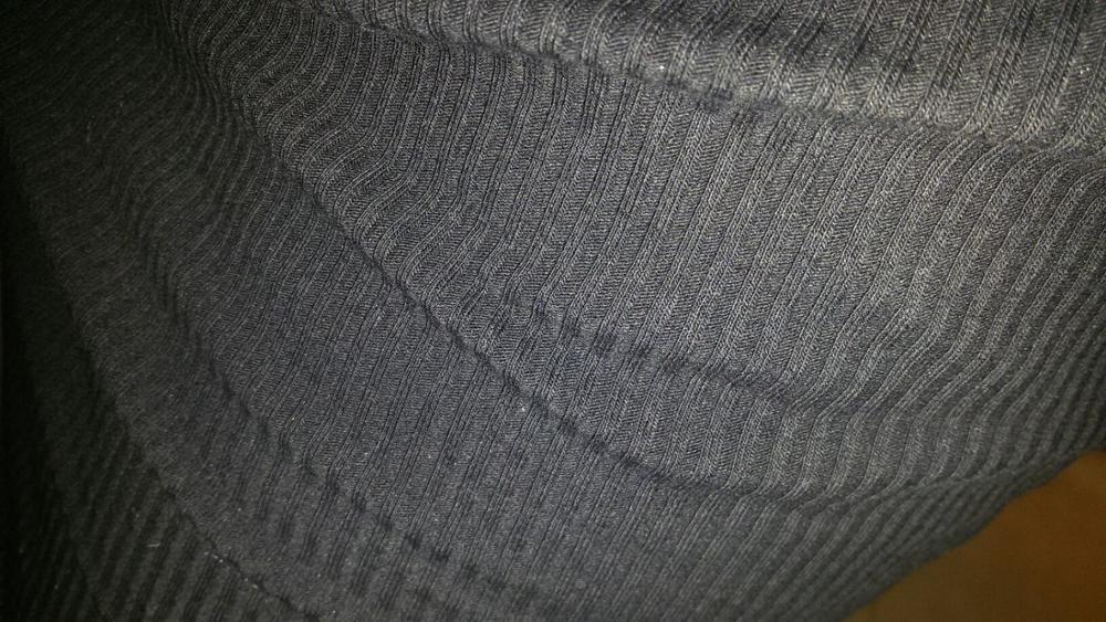 Платье очень понравилось! По размеру  мне подошло идеально! Ткань правда тоненькая чуть-чуть просвечивает, но с колготками и бюстгальтером будет идеально! Неприятного запаха нет! Недостатков я не нашла! полностью соответствует описанию! Что ещё приятно удивило- пришла на мобильный SMS с подтверждением , что посылка пришла на почту и её можно забирать!  Посылка отслеживалась, пришла через недель 5. Продавец вложил милый подарок -резинку для волос! В целом заказом довольна, рекомендую! Большое спасибо продавцу!