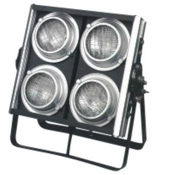 Professional 4 ตาผู้ชม blinder stage แสง 4 ชิ้นขนาดใหญ่ 650 วัตต์ 2600w