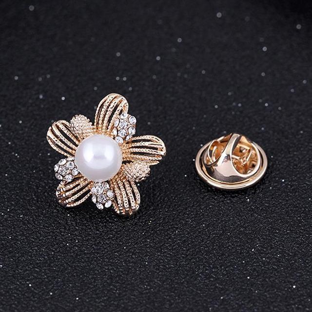 Drop Shipping Trendy Bijouterie Rhinestones Inlaid Flower Shaped Brooch Collar Pin Dress Decoration