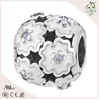 Blanco Flor Del Esmalte de La Joyería de Moda Y Elegante Accesorios Para Pulsera S925 Sterling Silver Charm