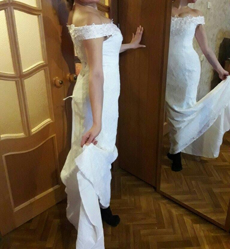 очень красивое и качественно сшитое платье, советую. Все по размеру. До моей свадьбы еще есть время похудеть, так что буду стараться. Оно требует отсутствия живота и боков желательно:)) В общем смело заказывайте! Не пожалеете.