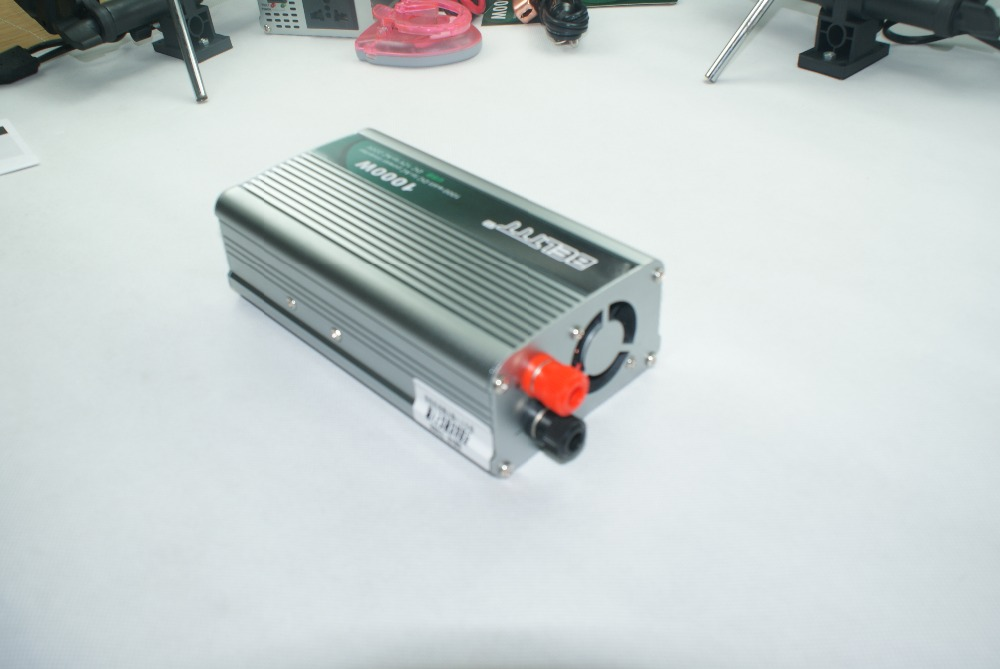 Livraison gratuite 2000 W pic 1000 W (continu) onduleur à onde sinusoïdale modifiée DC 12 V à AC 220 230 V 240 V convertisseur + USB