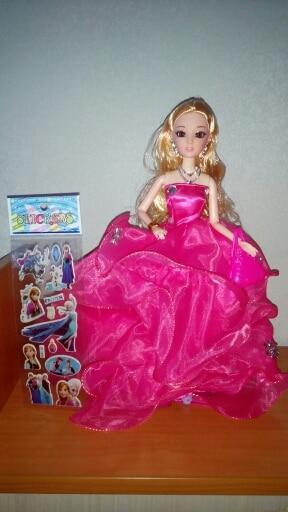 куколка супер! дочь просто в восторге. в подарок положили наклеечки спасибо