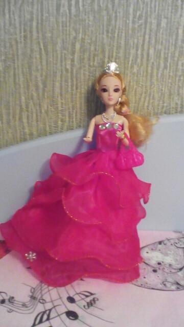 кукла хороша, лучше чем Барби. рекомендуем. спасибо за наклейки