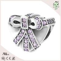 El bowknot púrpura ZIRCON en forma de corazón del agujero grande S925 plata esterlina encanto de la mujer