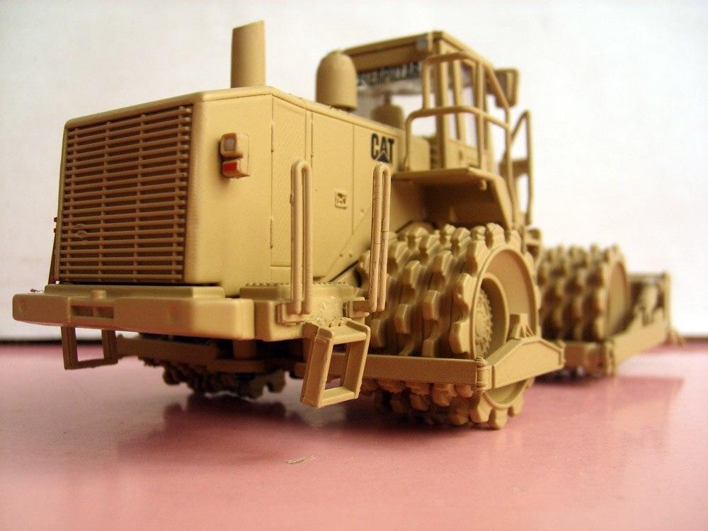 N-55254 1:50 Кот военный 815F грунт уплотнитель игрушка