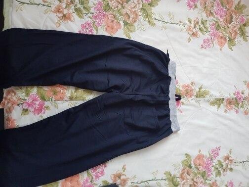 добрый день) заказываю уже второй раз  отличные штаны швы ровные, без запаха.   отправка быстрая) продавец молодец