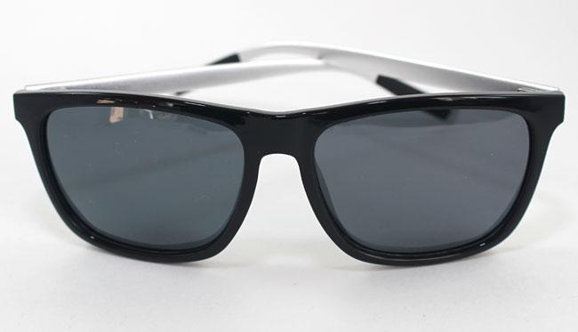 Крутые красивые очки, качество на высоте, тест на полярицационность прошли)