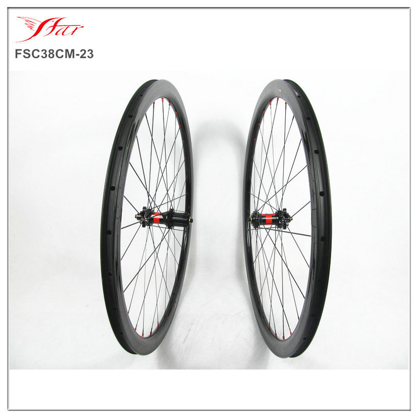 Competitive Chinese carbon cyclocross wheels 700C 38mm deep 23mm wide with UD glossy rim finish, DT 240s disc hubs,1524g/set
