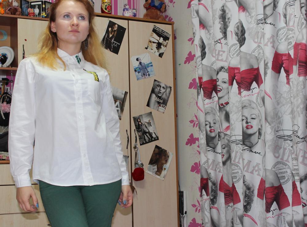 """Качество рубашки очень хорошее, ткань приятная к телу, скорее всего это действительно хлопок, вышивка тоже отличная. Рукава почти подходят по длине. Единственный вопрос - это вопрос к фасону, рубашка прямая из-за этого появляется ощущение """"квадратности"""", но я, человек привыкший носит всё в обтяжку, возможно прошла не привыкла или не мой фасон, вот и всё)"""