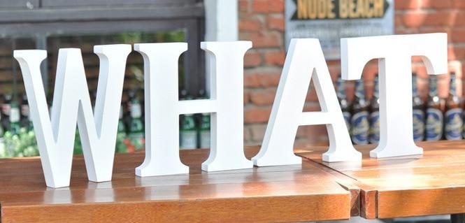 тегін Тұрақты 10см White LOVE Декоративтік жасанды ағаш Ағаш хат Алфавит A-Z Үйлену тойы Белое сәндік әріптер